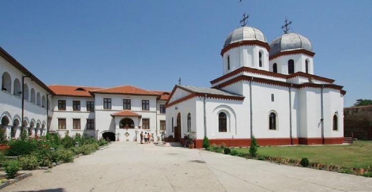 Comana, mănăstirea dintre mlaștini