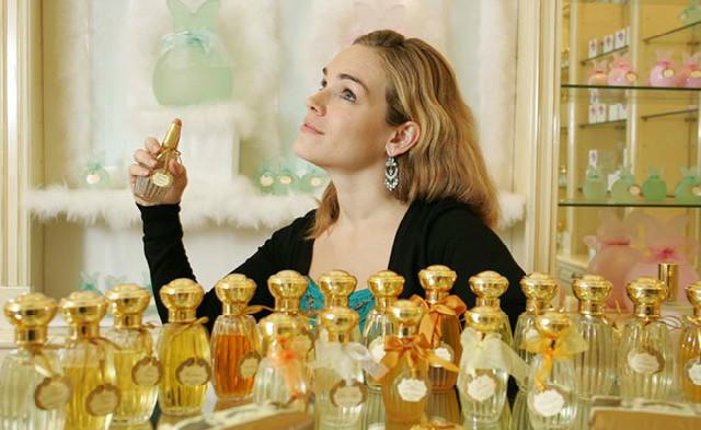 Alegeți parfumul în funcție de vremea de afară