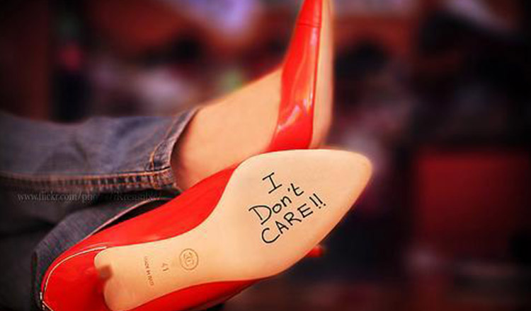 Crezi că îmi pasă dacă mă placi sau nu?