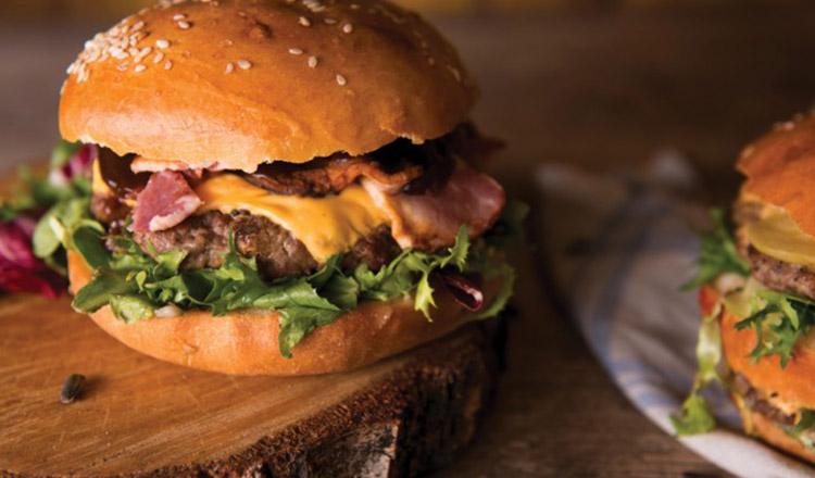 Cum să faci în casă cel mai bun Burger de vită. Este atât de bun, încât nu vei mai cumpăra niciodată de la fast food!