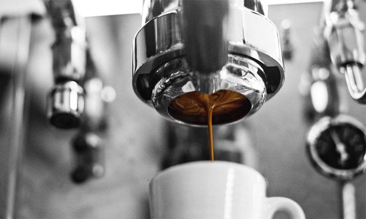 Cafeaua pe stomacul gol are efecte negative.