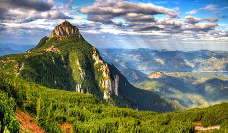 Ceahlăul, unul dintre munții sfinți ai lumii