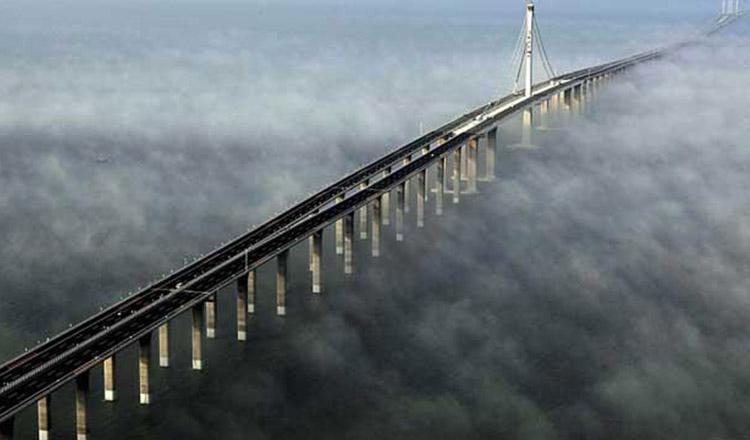 China se laudă cu cel mai lung pod maritim din lume…