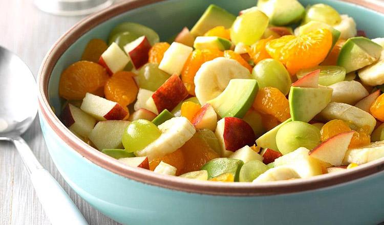Salată din citrice cu dressing de avocado