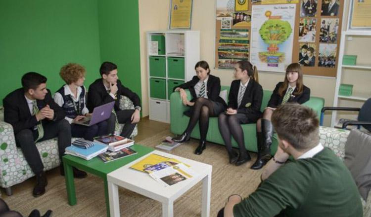 Liceul din România de unde elevii pleacă direct la Cambridge sau Oxford!