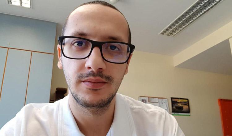 Un tânăr medic, din Craiova, a salvat viața unui om, în avion!