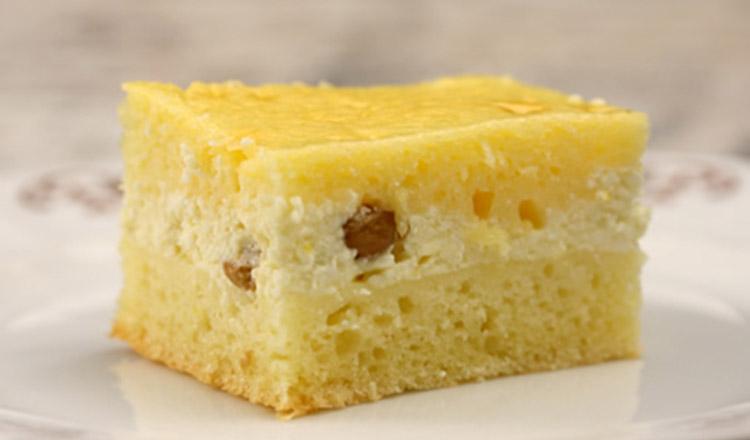 Prăjitură cu brânză și stafide… Bună, de-ți lingi degetele!