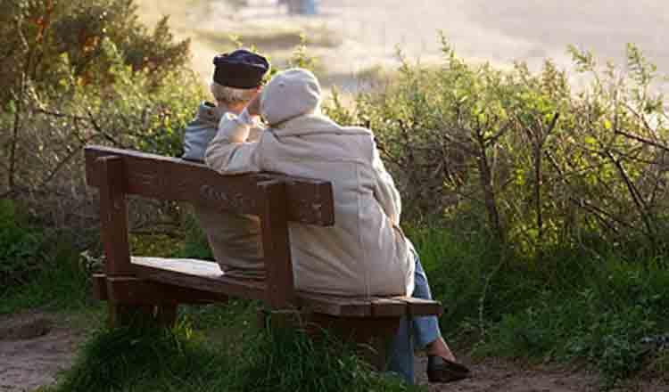 Regretele bătrâneții… Întâlnirile cu Dumnezeu ratate, deciziile pe care nu am avut curajul să le luăm, oamenii pe care nu i-am iubit, viața netrăită din plin!