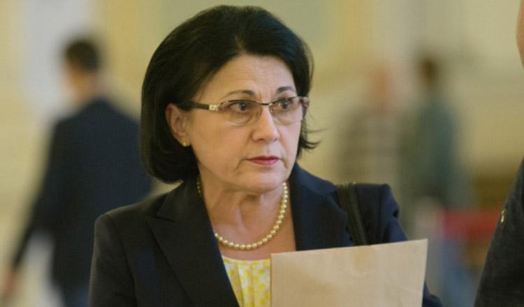 Ce scrisoare i-a trimis o mamă, Ecaterinei Andronescu!