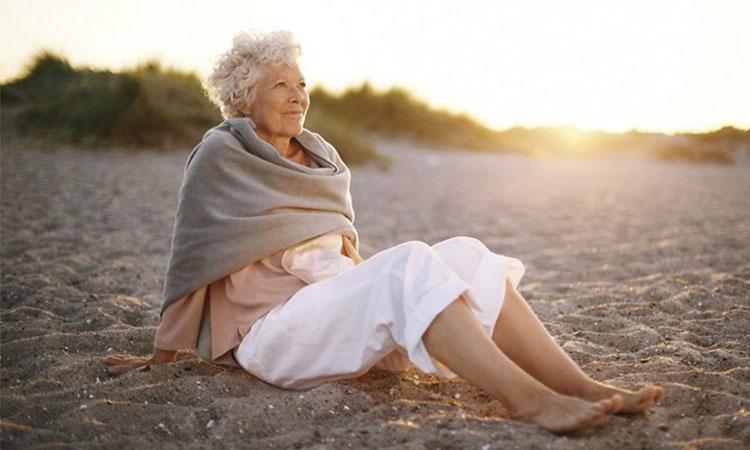 Femeile care rămân singure o perioadă mai lungă de timp, ajung să fie cele mai fericite!