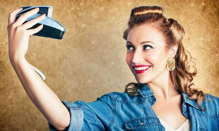 Noile studii arată că selfie-urile sunt strâns legate de egoism și narcisism!
