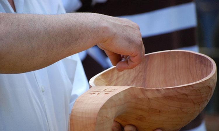 Pilda străchinii din lemn