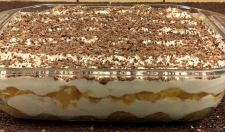 Prăjitură Tiramisu din 24 pișcoturi, 500g cremă mascarpone, 4 ouă, 4 portocale, cafea și ciocolată neagră