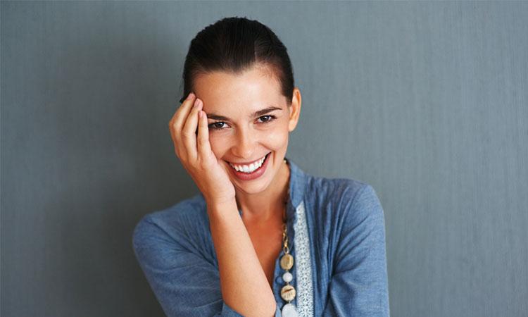 12 calități pe care bărbații le găsesc irezistibile la femei