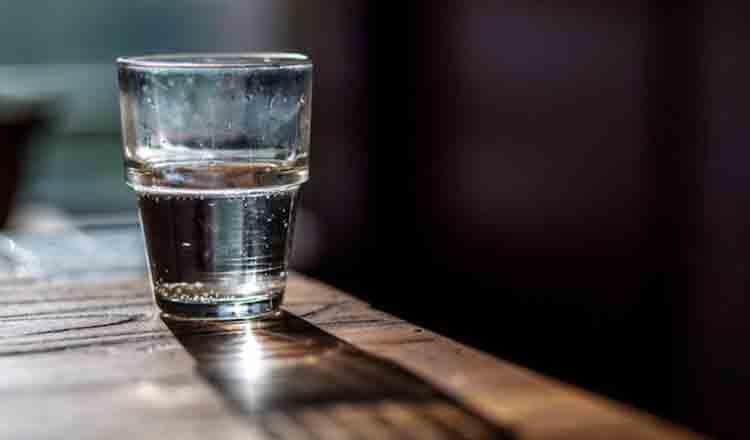 Momentul cel mai potrivit pentru a bea apă