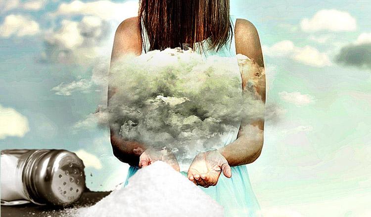 Cum cureți energiile negative folosind sare de mare