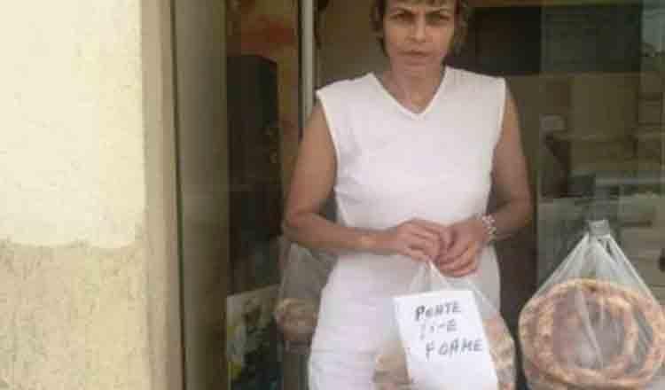 O femeie cu suflet mare! Aceasta doamna oferă nevoiasilor produsele nevandute: