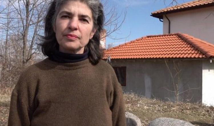 """Femeia care a obligat Primăria să-i facă drum şi să-i tragă apă potabilă: """"Doresc să refacem o Românie pornind de la zero…"""""""