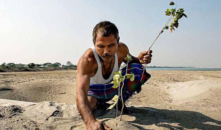 Un indian a transformat un deșert într-o pădure