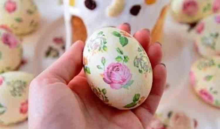 Cum se decorează ouăle de Paște folosind Tehnica Șervețelului