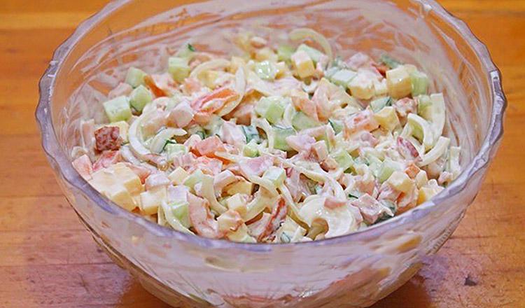 Nu ratați salata Frumusețe, pentru că nu știți ce pierdeți!
