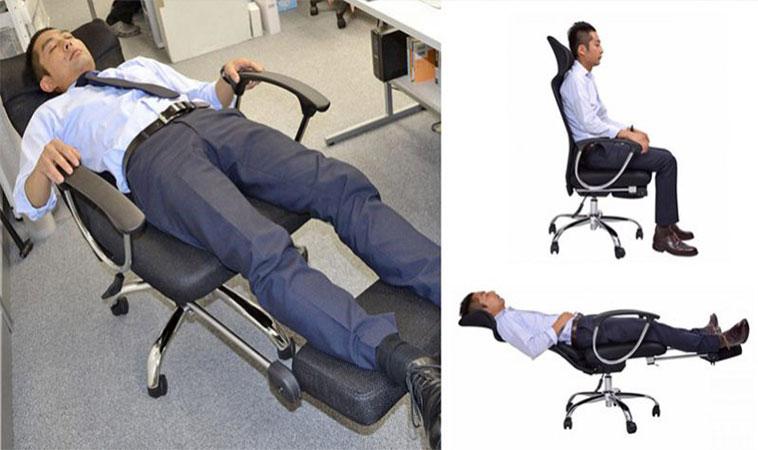 Acest scaun de birou îți permite să te odihnești la locul de muncă