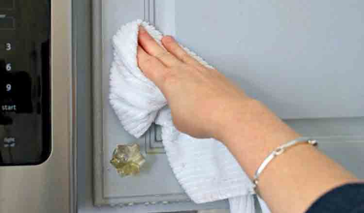 Trucuri ca să faci curat de Paște în cel mai scurt timp