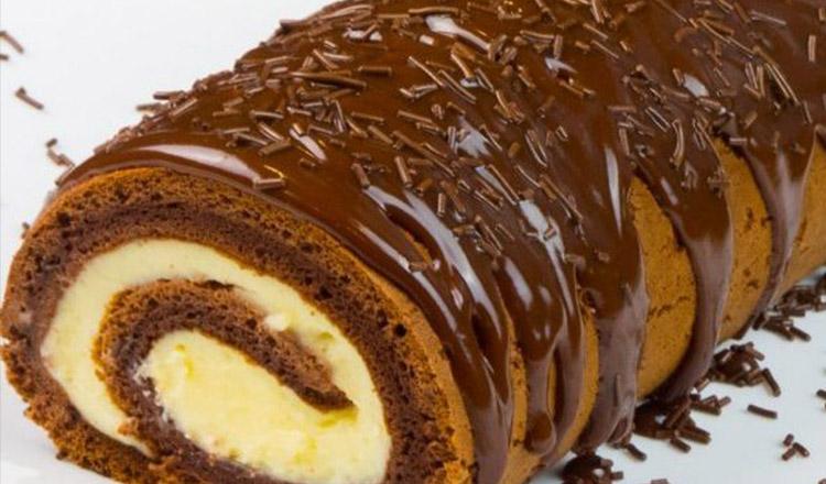 """Ruladă """"Ziua și noaptea"""" – Bunătate de ruladă cu cremă de vanilie și ciocolată, super fragedă"""