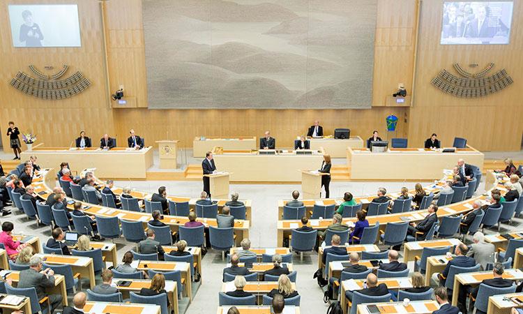 Suedia este singura tara in care politicienii nu au privilegii. Fara secretare sau masini de serviciu cu sofer, iar alegatorii se prezinta la vot in proportie de peste 80%.