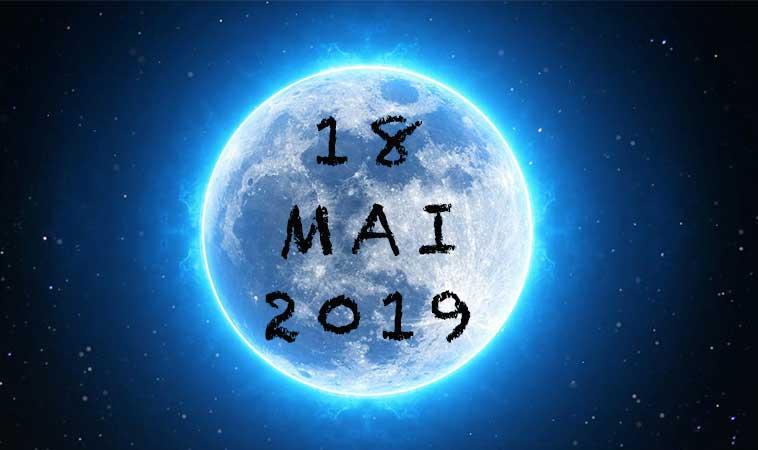 Vom fi martorii unei Luni Albastre rare, pe data de 18 mai