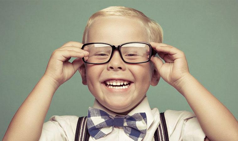 Cercetătorii au descoperit 10 lucruri care îi fac pe copii fericiți