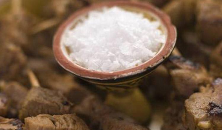 Nu mai consuma atât de multă sare! Înlocuiește-o cu un amestec de mare ajutor!