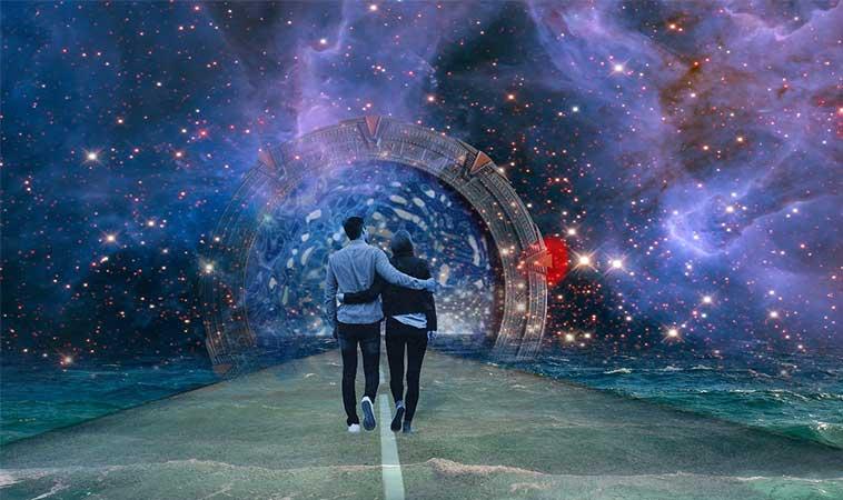 Motive pentru care Universul ne conduce spre oameni noi
