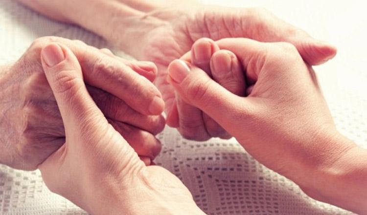 Îmi văd părinții ca pe mici copii, care au nevoie de dragoste